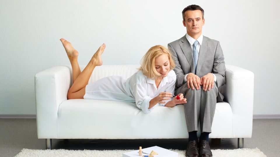 Hoe kan je jouw vrouwelijke energie gebruiken zodat een man jou als een high value vrouw gaat zien.